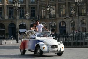 Balade et team building découverte de Paris en 2CV