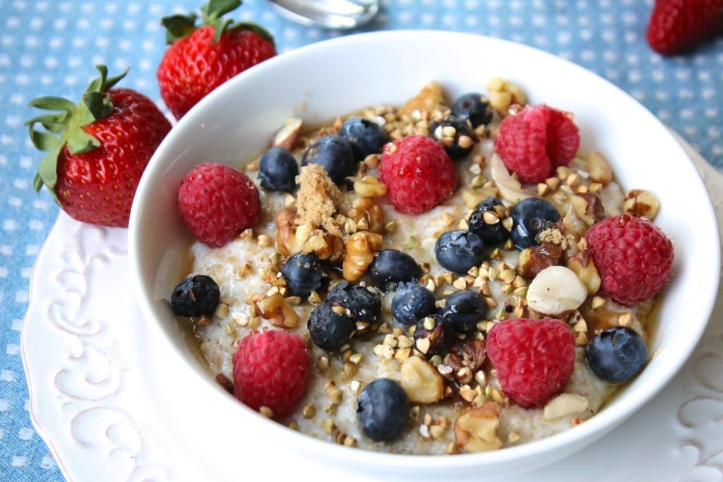 breakfast porridge healthy oats fruit toppers berries nuts milk honey recipe