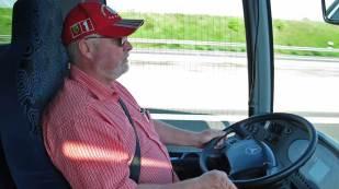 Walter Domaczyk vom Modellbahnstammtisch Rumeltshausen lenkte den Bus.