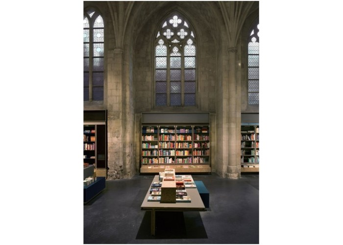 Librairie_Selexyz_Merkx_Girod_architects_Maastricht_eglise_changement_destination_culture