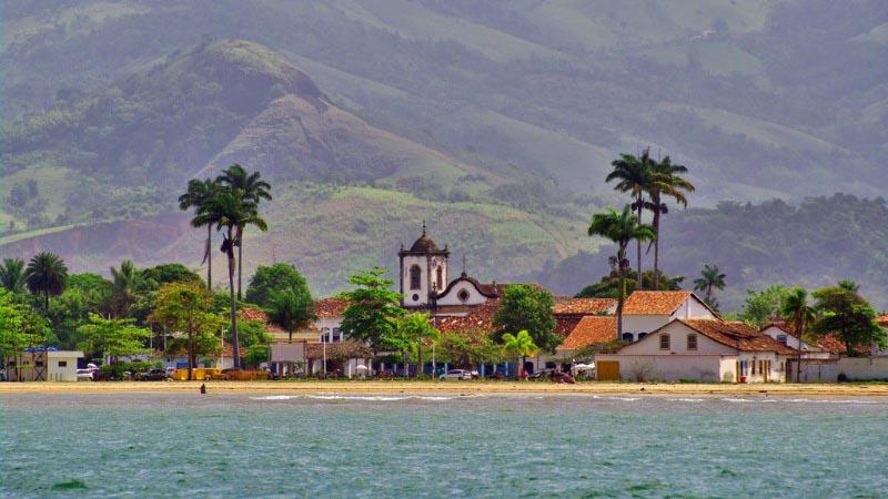 Enjoy snorkelling in Paraty- Brazil