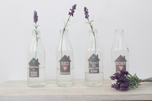 botellas decoradas y lavanda
