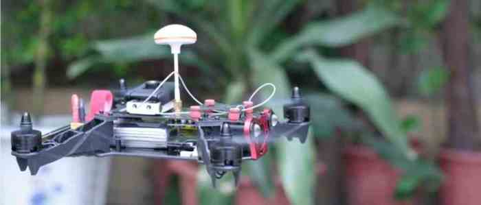 Eachine cierne estable con luces apagadas
