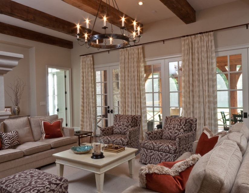 Vintage Chandelier Puts Crowning Touch On Soothing Living