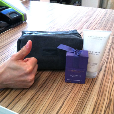 Aromatherapy Associates De-stress wash bag