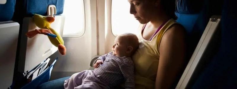 viajar con el bebé en avión