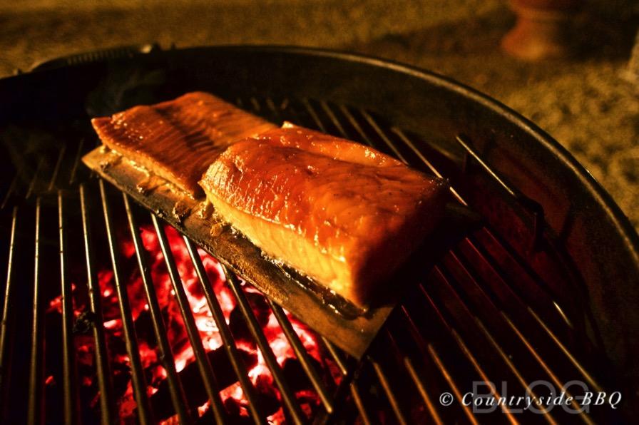 Salmone affumicato e laccato allo sciroppo d'acero