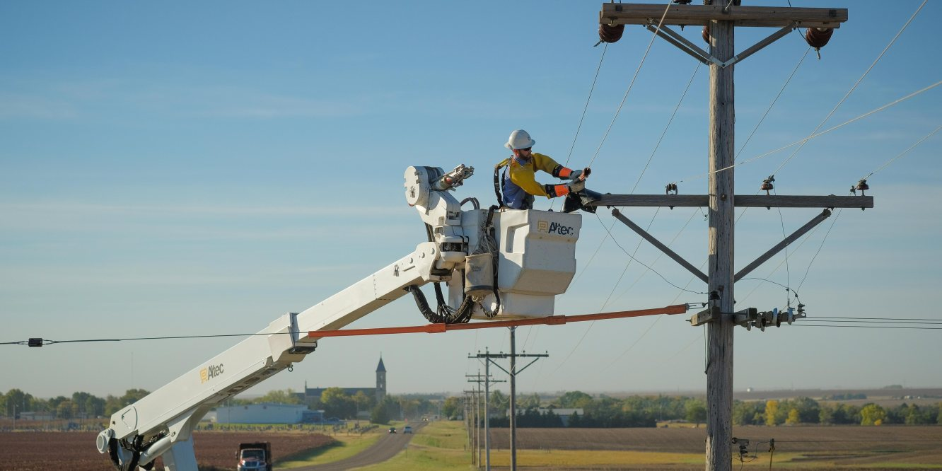 Committed to Kansas – Midwest Energy and Peerless Products