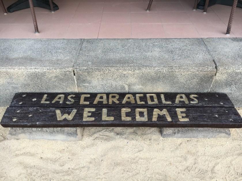 Direkter Strandzugang aus einem der besten Restaurants der Insel.