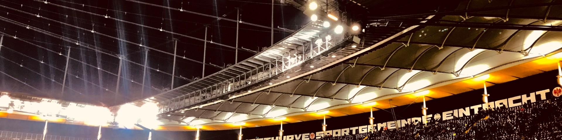 Anspannung, Vorfreude, gute Stimmung. Vor dem Spiel Eintracht Frankfurt gegen Apollon Limassol in der Europa League Gruppenphase.