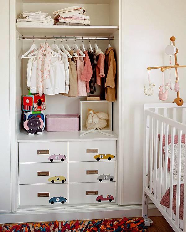 como distribuir mobiliario en una habitacion infantil 6