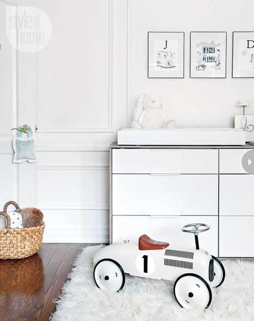 Habitacion de bebe en color blanco