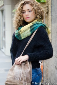 Yellow and Green Scarf, Wool Black Top, Leather Bag | Bufanda Verde y Amarilla, Jersey de Lana Negro, Bolso de Piel Fall-Winter 2015-16 | Otoño-Invierno 2015-16