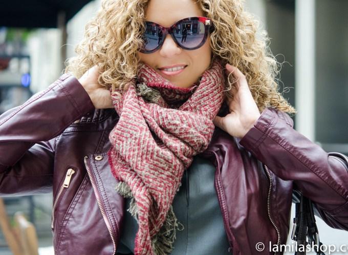 Bordeaux Biker Jacket, Red Scarf, Gray Dress and Sunglasses | Biker Jacket Burdeos, Bufanda Roja, Vestido Gris y Gafas de Sol. Fall-Winter 2015-16 | Otoño-Invierno 2015-16