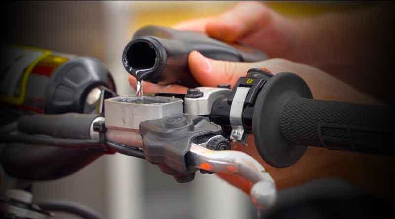 jenis minyak rem mempengaruhi keselamatan berkendara