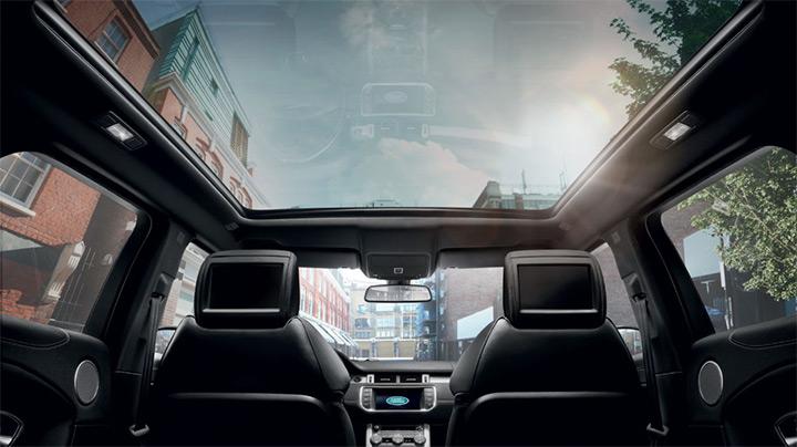 Destaque para o teto panorâmico da Range Rover Evoque fabricada no Brasil Land Rover - Bem Auto oficina mecânica especializada. Kobrasol , São José, Florianópolis, Palhoça, Biguaçu.