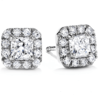 Luxury Earrings for the Luxurious Woman