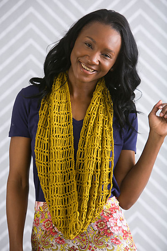 Breezy Mesh Cowl crochet pattern by Angelia Robinson