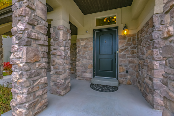 Why outdoor lighting should be a part of your homes exterior features