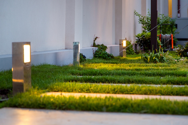 What Type of Outdoor Lighting Fixture Meets Your Backyard's Needs?