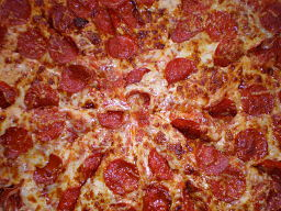 256px-KS_pepperoni_pizza