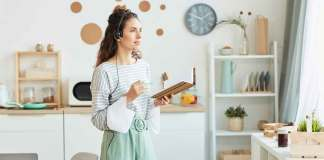 Contact Center Agent Working from Home