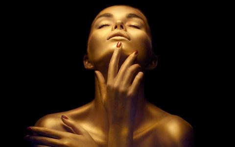 Makeup Tips to Highlight Various Body Parts