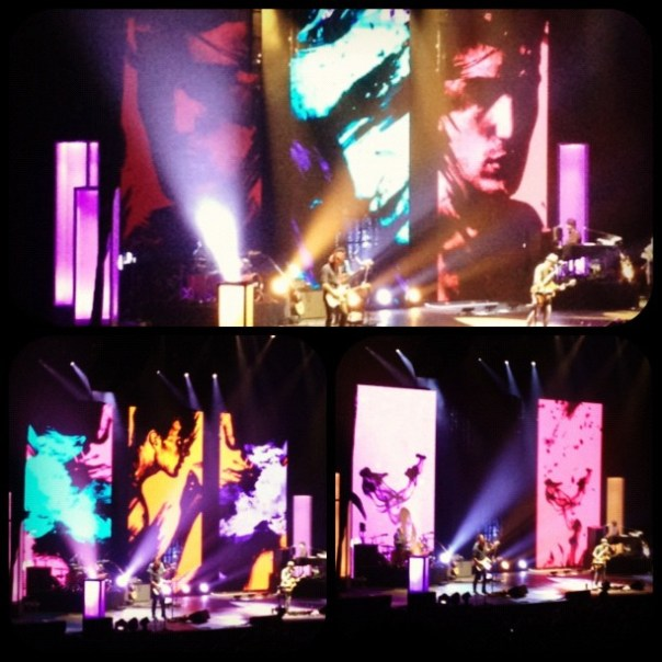 The stage is super #artistic tonight! @Jason_Mraz #concert #vancouver - from Instagram