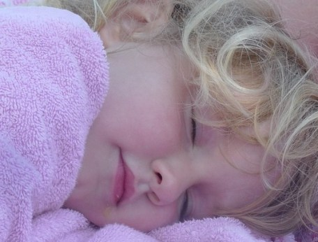 bambino dorme
