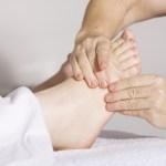 Il massaggio del piede con gli oli essenziali