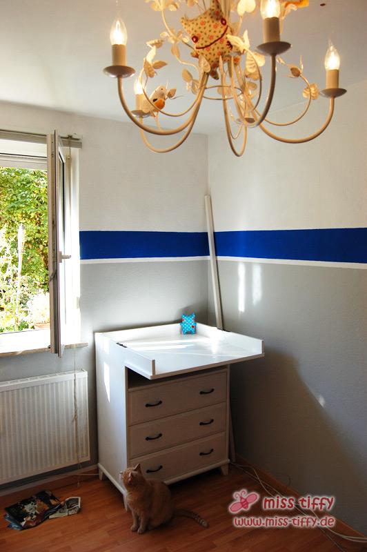 frisch lackiert die neue alte kommode binenstich. Black Bedroom Furniture Sets. Home Design Ideas