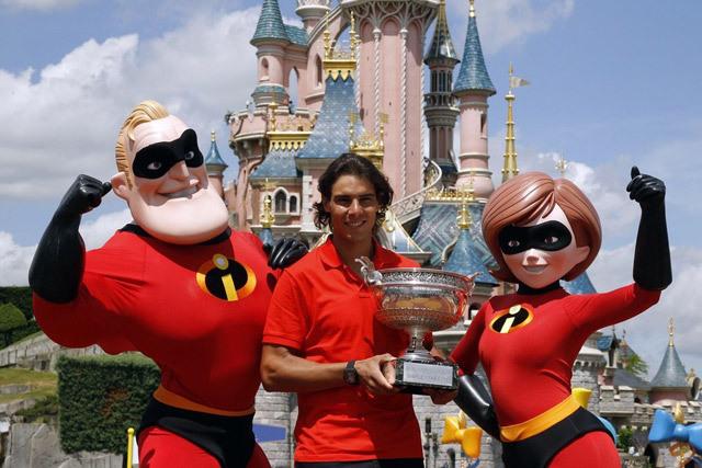 Rafa-in-Disneyland-Paris-rafael-nadal-12812513-640-427