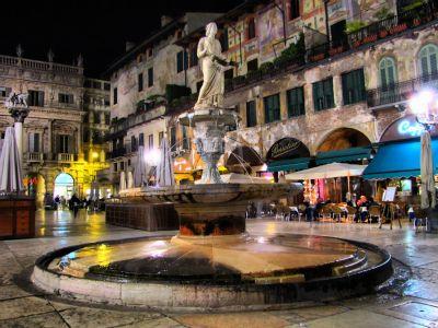 verona___piazza_delle_erbe_by_helker89-d3dhkwx