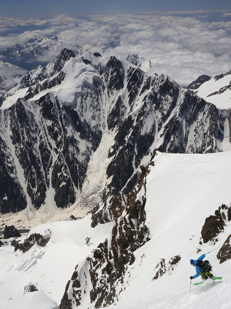 ski model : navis freebird Ross Hewitt on the West Face. Photo ©Guilhem Martin Saint Leon