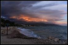 Nemirno jesenje predvečerje uz more