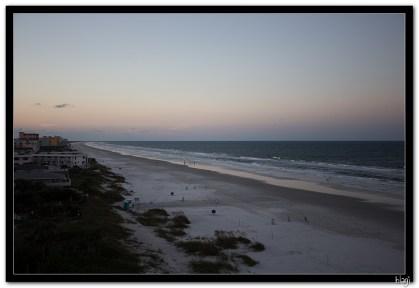 Ocean beach u sumrak