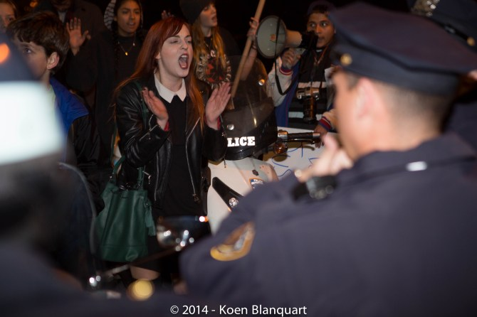 Ferguson Protesters being stopped by NYPD when trying to access FDR expressing their disagreement