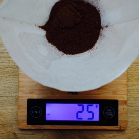 7-chemex-waage-mit-kaffee