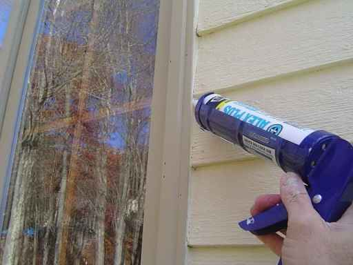 Caulk_Exterior_Windows