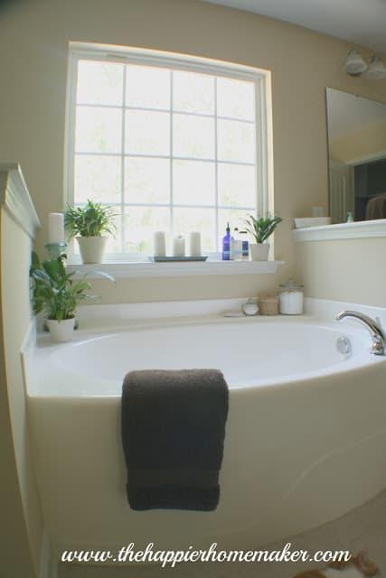 The Happier Homemaker Bathroom Makeover