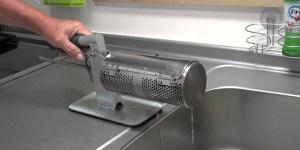 片手雑巾絞り器で就活採用