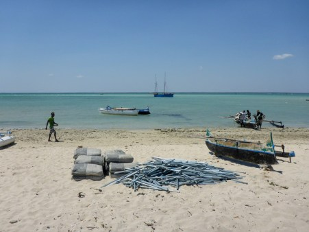 Materials unloaded onto Tampolove beach | Photo: Ben Parker