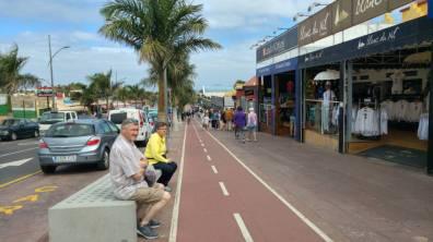 Fuertaventura - glowna ulica Corralejo