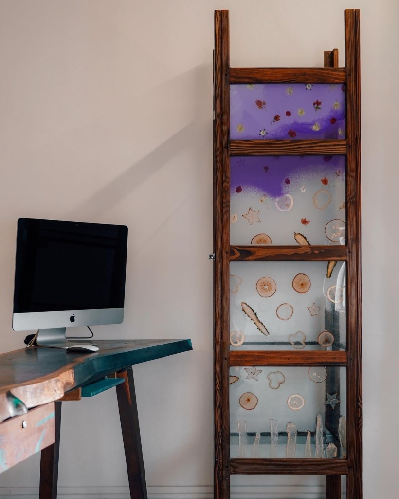 Glass and Resin Cabinet with Bougainville Flowers and Papyrus Slices