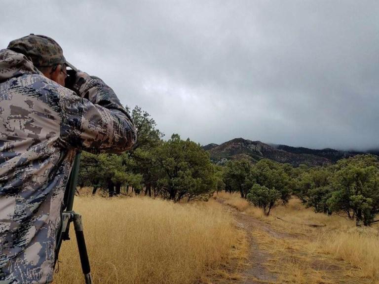 A hunter glassing