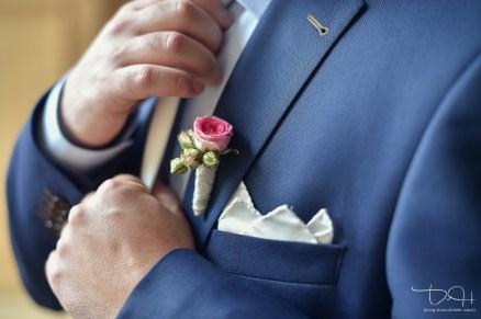 Der Hochzeitsfotograf fotografiert jedes Detail! Trauung im Schuerstabhaus!