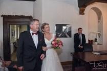 Hochzeits Fotograf fotografiert Trauung im Pfinzingschloss, Schloss Henfenfeld