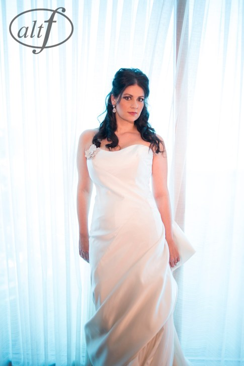 Beautiful Las Vegas Bride Photo by Altf.com
