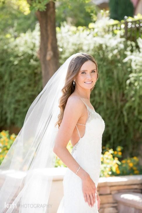 Bridal Spectacular_KMH-ChivarskyWedding-HiltonLakeLV-00140048