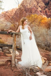 LOWRES-MapleHillPhoto-BridalSpec2013-24